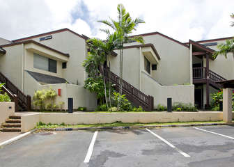 Pet friendly ground floor w/ large open lanai!