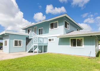 Wonderful multi-generational home in Kaneohe!