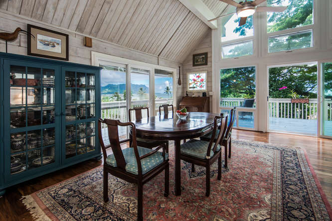 47226-kamehameha-hwy-kaneohe-dining-with-view-copy