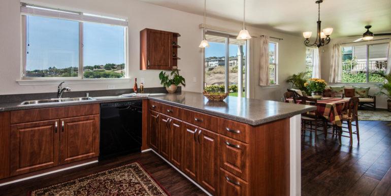 8-kitchen-dining-area