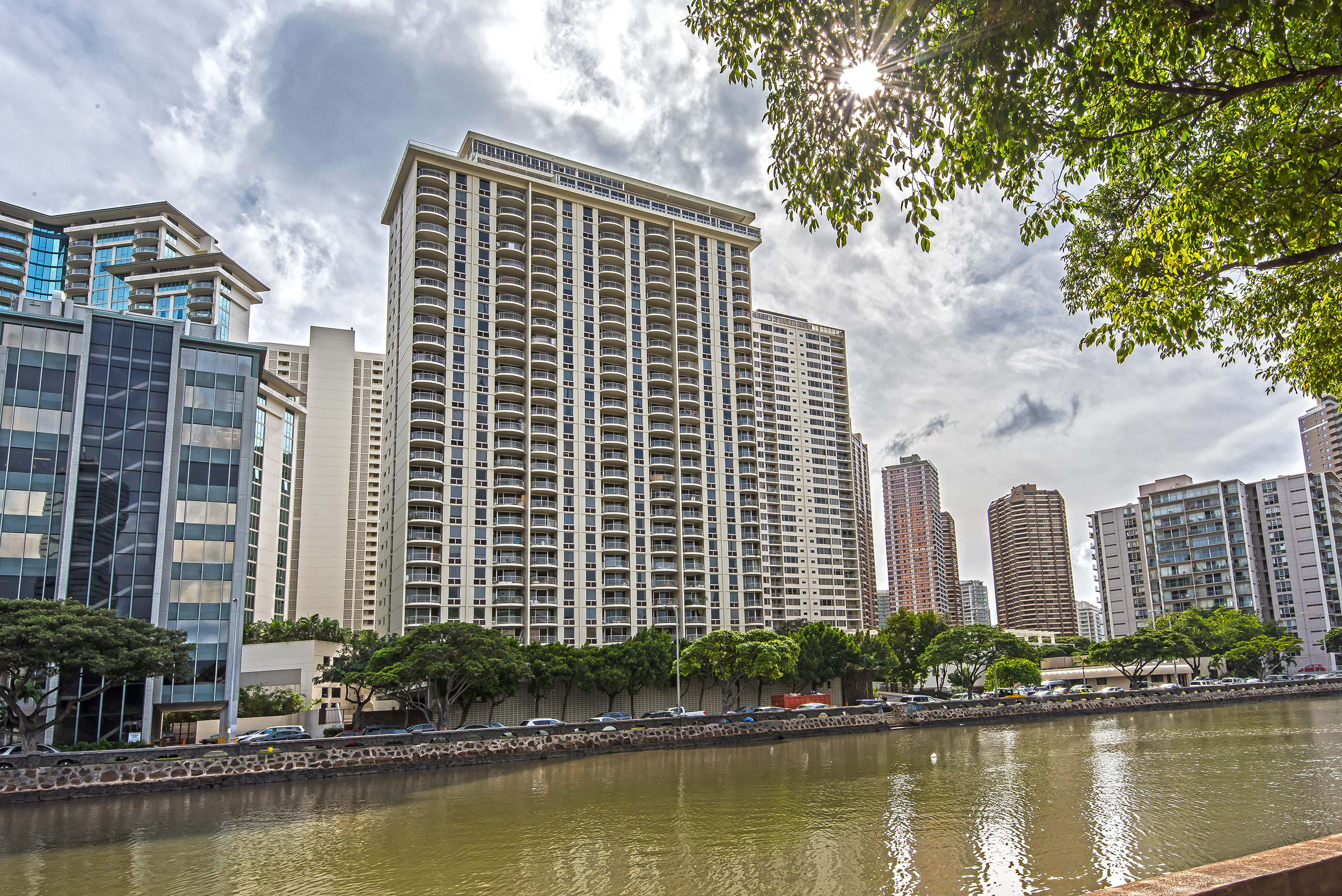 1717 Ala Wai, #2802 – Panoramic View!