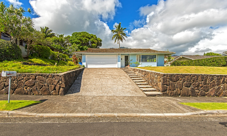 Gracious Alii Shores Home