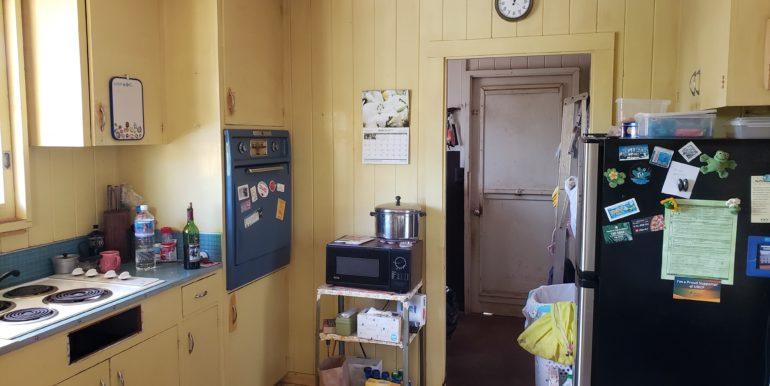 11 Kitchen 1