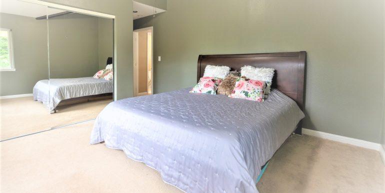 Master bedroom +++